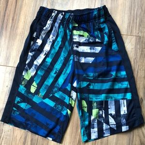 Nike Dri-Fit Boys Blue Basketball Shorts M